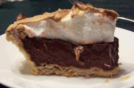 Old Fashioned Chocolate Meringue Pie - Foodgasm Recipes