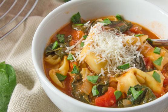 Tortellini Tomato Spinach Soup - Foodgasm Recipes