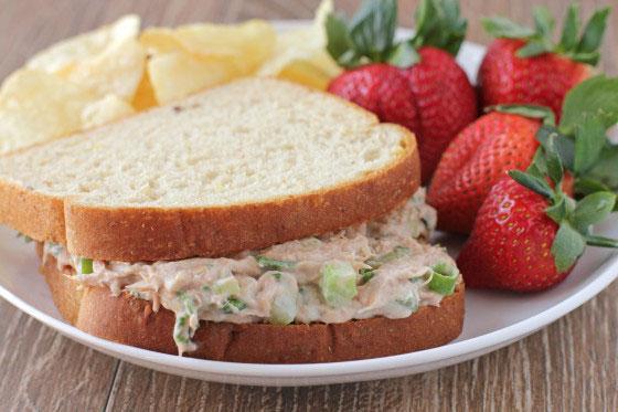 Classic Tuna Salad Restaurant Style